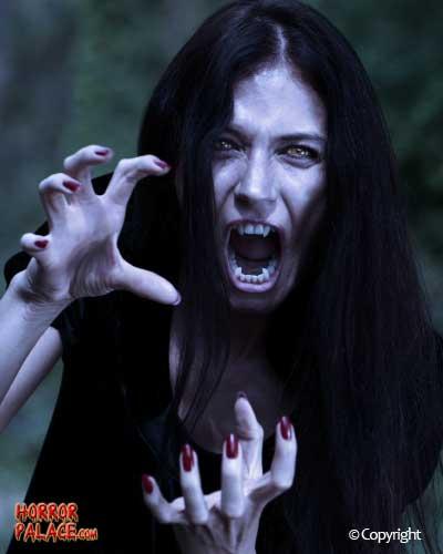 vampiress-attack