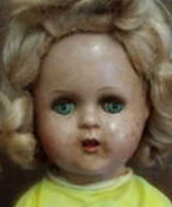 Look-at-its-face-doll